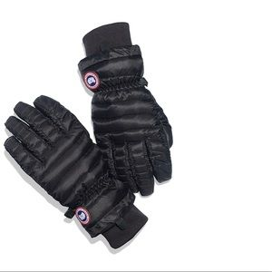 Canada goose gloves - new without tags